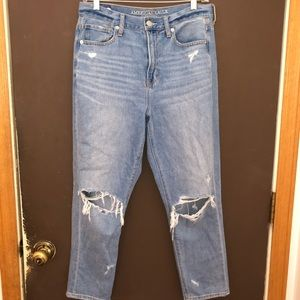 American Eagle Mom Jeans size 8
